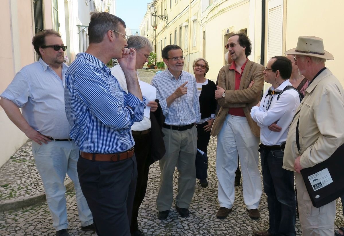 One of the highlights of the social events was a walking tour with Professor João Carlos Garcia (CIUHCT/Porto) through downtown Lisbon